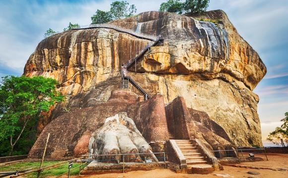 10 monuments incontournables à visiter - Le rocher du lion Sigiriya au Sri Lanka