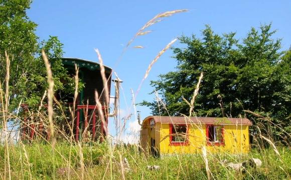 10 hôtels insolites en France - Roulotte ou cabane ?