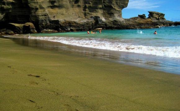 Les 10 plages les plus insolites au monde - Après le noir, le sable vert d'Hawaï