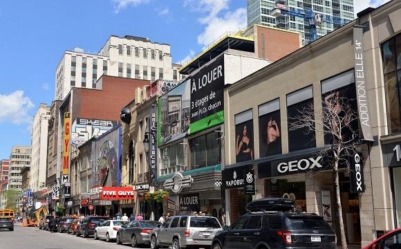 10 visites incontournables à Montréal -  La Rue Sainte Catherine