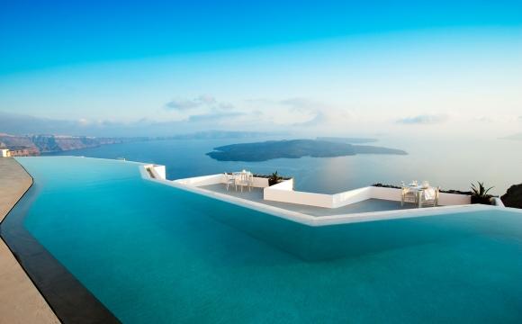 Les 10 plus grandes piscines du monde - Une piscine sur une île : Santorin