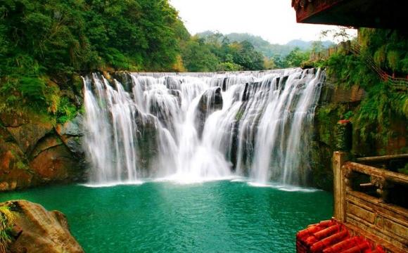 Les 10 plus belles cascades du monde - Shifen Waterfall