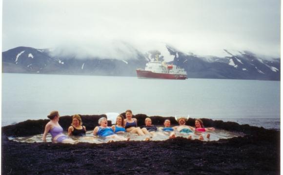 Les 10 plus belles sources d'eaux chaudes du monde - L'île de la déception en Antarctique