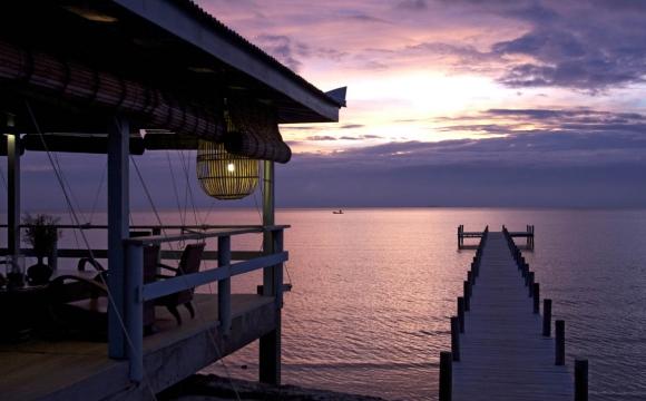 Les 10 plus beaux bars sur la plage - The Sailing Club, Kep