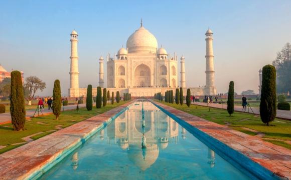 Quelles sont les 7 nouvelles merveilles du monde ? - Le Taj Mahal en Inde