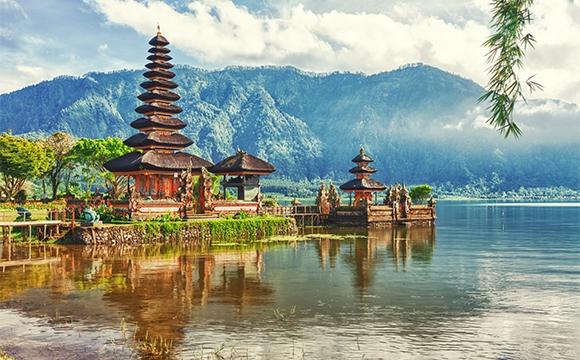 Où partir en septembre ? - Rites culturels en Indonésie