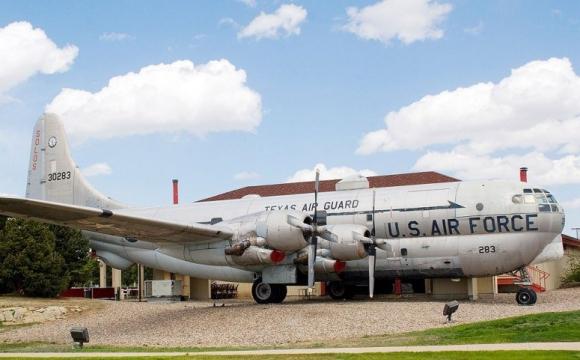 10 restaurants situés dans des endroits sensationnels - The Airplane Restaurant dans le Colorado