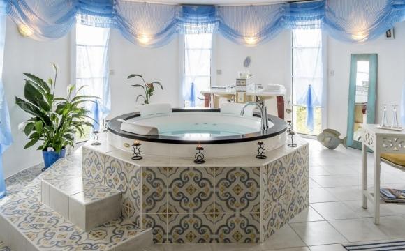 10 chambres d'hôtel en France avec jacuzzi - Le Vert Galant, Normanville