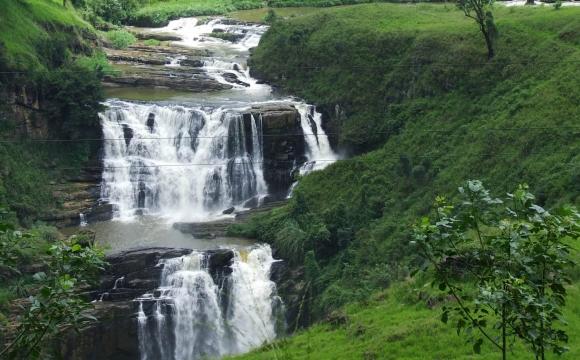 Les 10 plus belles cascades du monde - Saint Clair's Falls