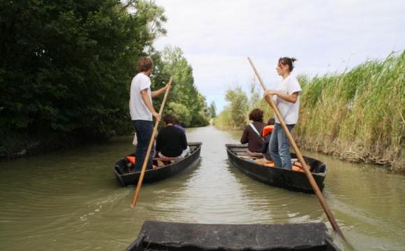 10 actvités insolites à tester durant les vacances d'été - Une yole en Vendée